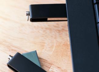 USB Stick in Laptop Beitrag